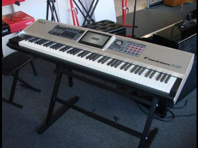 Varios Electronica Roland Fantom-G8 88-key Sampling Synth Workstation